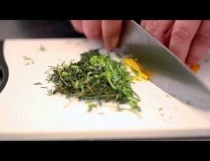 Ricetta dei Filetti di Sgombro alle erbe con Marmellata di Cipolle rosse